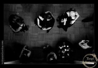 Kopia black_from_balcony-800x554